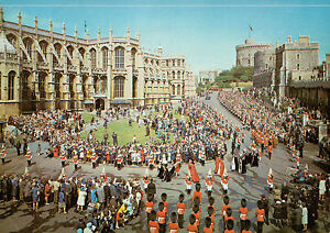 B5956aps-UK-Windsor-Castle-Garter-Procession-postcard