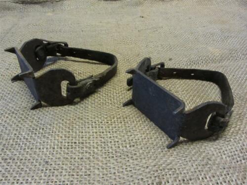 Vintage Cast Iron Ice Shoes Cleats > Old Antique Ice Fishing 8297