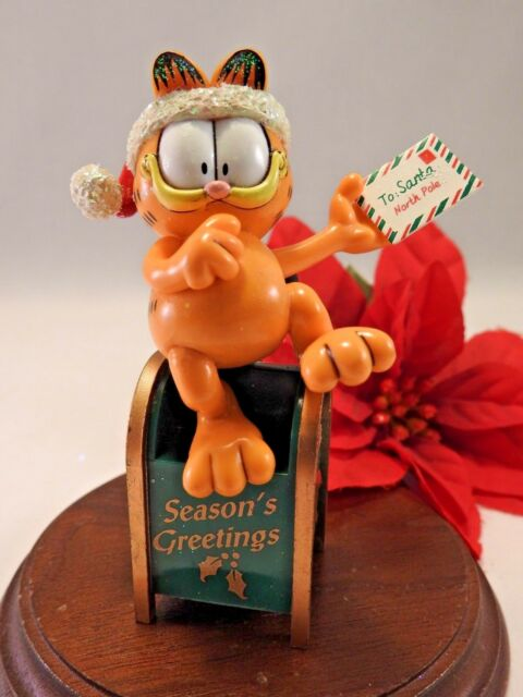 Paws 20 years of Garfield Ornament 1996 Garfield sitting on a Mailbox w/ letter