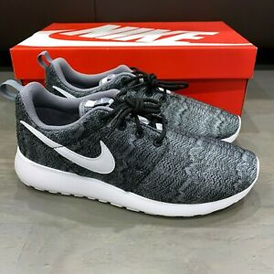 Buscar Quemar cien  Nike Roshe Run Print GS Black White Cool Grey Youth 677782-001 Rosherun One  Rare | eBay