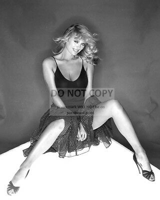 8X10 PUBLICITY PHOTO AZ092 JULIANNE HOUGH ACTRESS DANCER AND SINGER