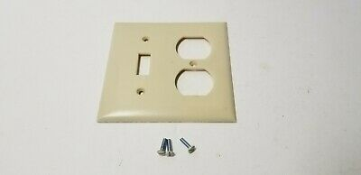 VINTAGE NOS IVORY BAKELITE SINGLE TOGGLE LIGHT SWITCH ELECTRICAL PLATE COVER