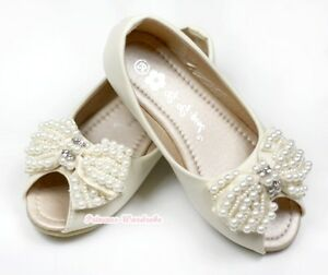 Cream Bow Flat Shoes