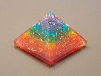 7 Chakra Multi Edelstein Pyramide Reiki Heilende Kristall Spirituelle Energie