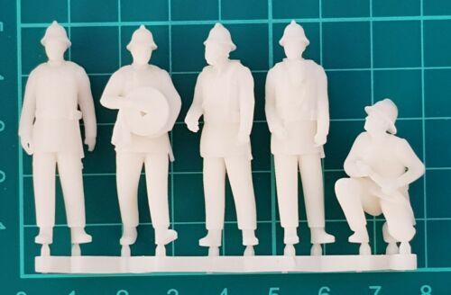 FG08  Firemen Figures unpainted O scale