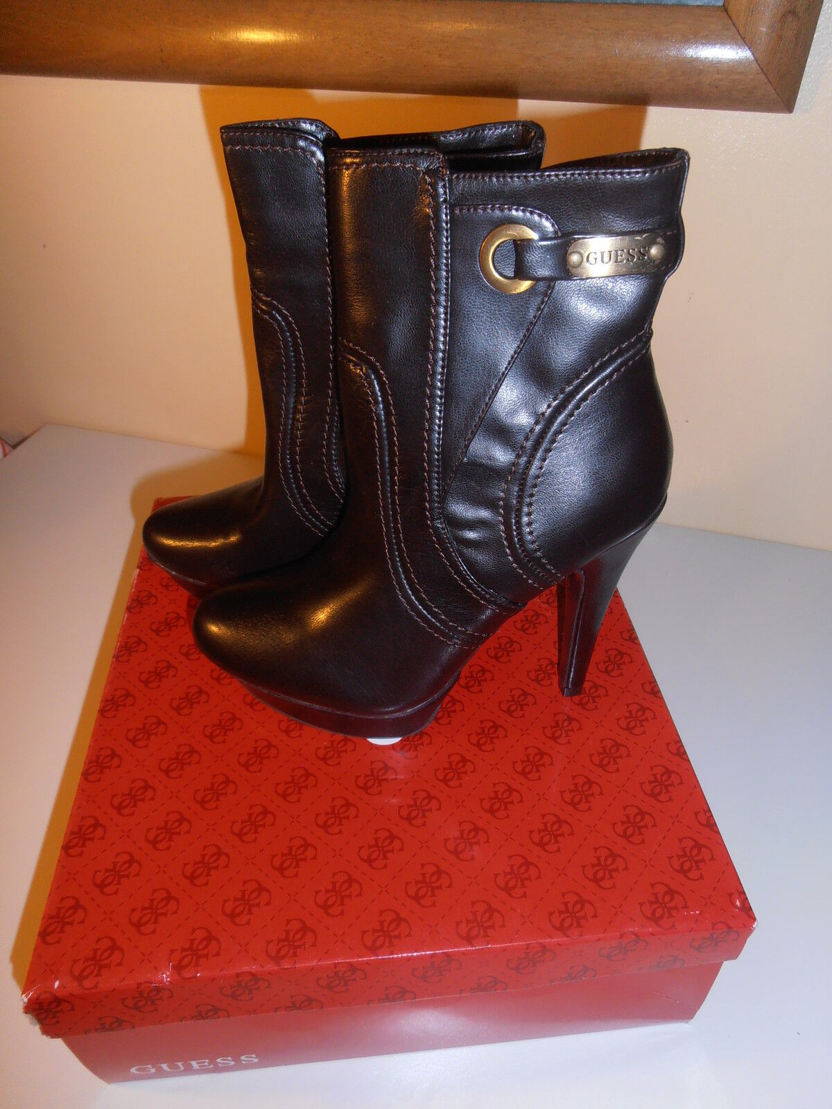 GUESS BOOTS BROWNS COLOR SIZE 6.0 NICE & CHEAP