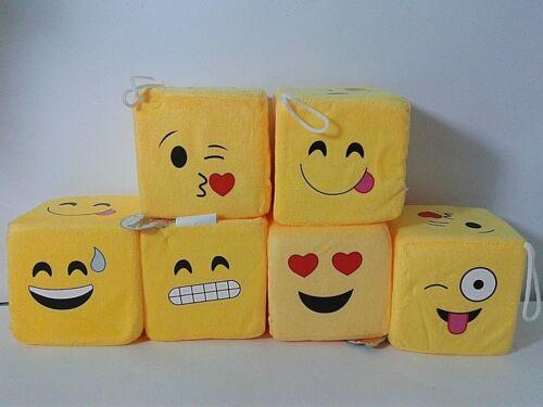 DADO EMOTICON EMOJI IN PELUCHE CON FACCINE 10x10 cm SMILE GADGETS IDEA REGALO