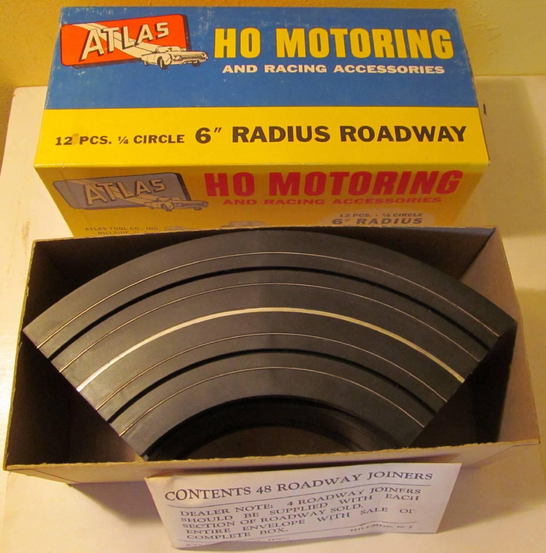 ATLAS HO SCALE MOTORING SLOT CAR RACING 2 1//2 INCH ROADWAY PIERS 12 PIECES #1254