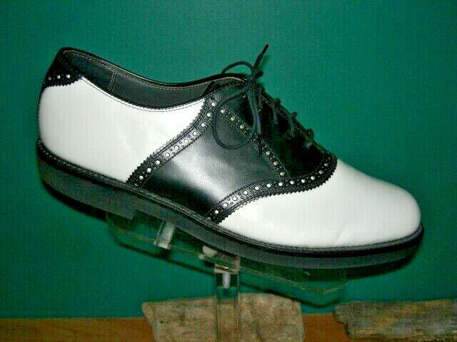 Vintage Men's  Walkover Black & white Saddle Shoes 10 D US made