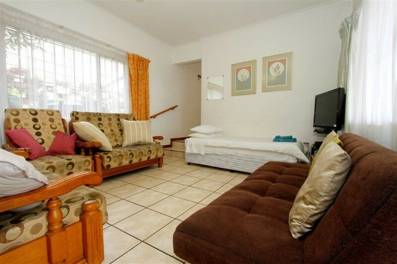 HOLIDAYMAKERS, BUSINESS PERSONS, CONTRACTORS,-BUDGET, CLEAN SELF CATERING ACCOMMODATION IN DBN NORTH