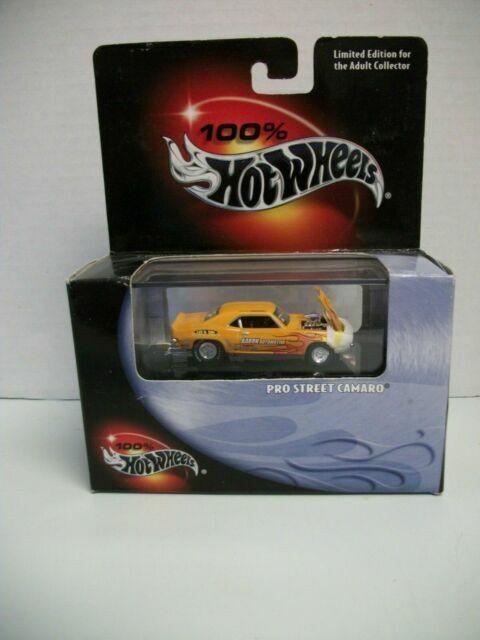 Hot Wheels /& Display Case 2010 Camaro Pro Street Drag Race Car YELLOW