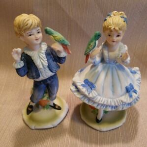 Vintage-Lefton-China-Figurines-Girl-and-Boy-Holding-Parrots-KW5340