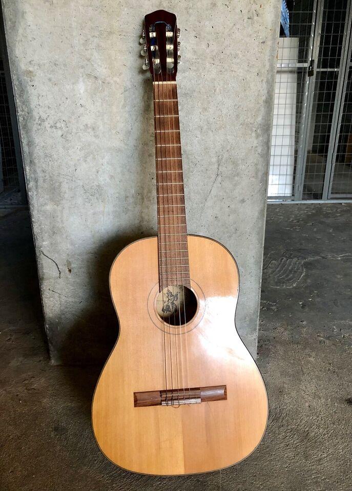 Spansk, andet mærke Model nr 4