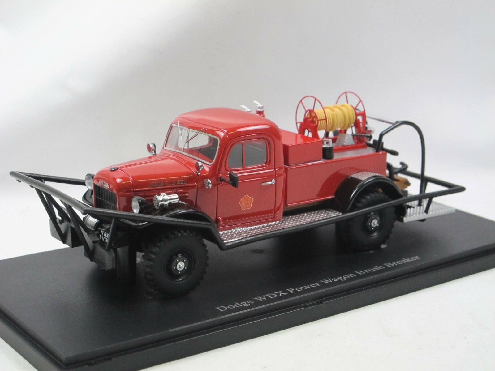 Autocult 12009 - 1946 DODGE WDX Power Wagon Brush Braker US FIRE ENGINE 1 43