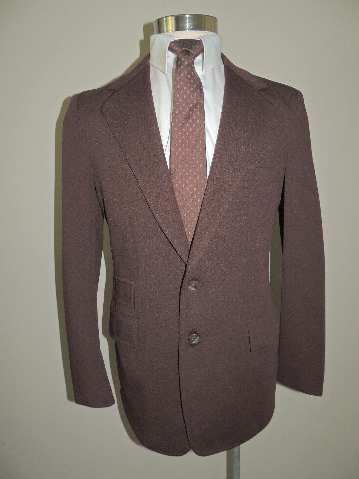 VTG JOHN BLAIR BROWN POLY BLEND 2 BUTTON 2 PIECE SUIT 37R