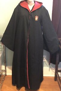 Universal Studios unisex adult Harry Potter Gryffindor Black robe size XL