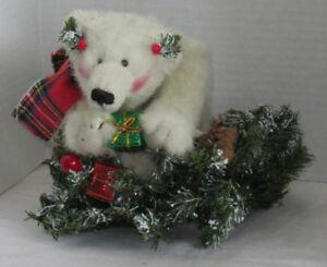 the boyds collection ltd polar bear wreath stuffed animal. Black Bedroom Furniture Sets. Home Design Ideas