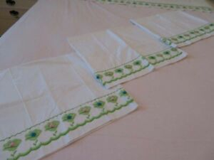 Vintage-Springmaid-Percale-Embroidered-King-Bed-Flat-Sheet-amp-3-Pillowcases