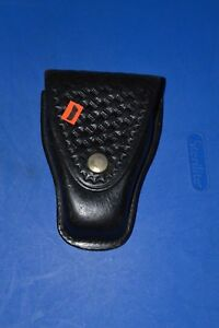 #322 Nice!!! Don Hume Handcluff Holster