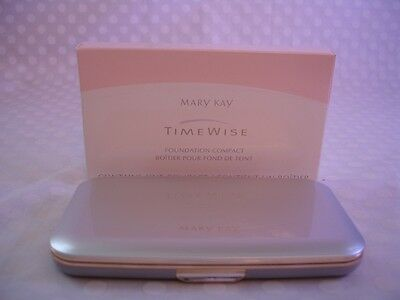 "Mary Kay TimeWise Dual Coverage Creme ""D"" Vintage Foundation COMPACT New in Box!"