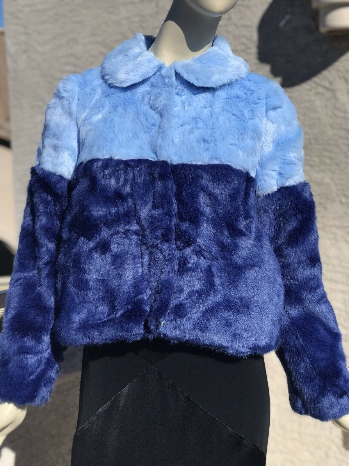 Alice + Olivia bluee Damaris Two-tone Faux Fur Crop Coat XS