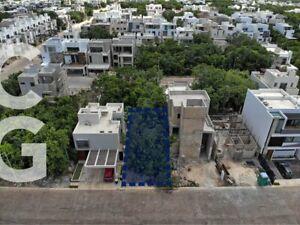 Terreno en Venta en Cancun en Residencial Aqua con Excelente Ubicacion