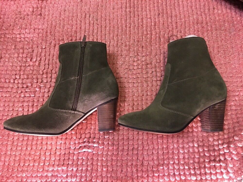 NEW Anthropologie SEYCHELLES Lounge Suede Side-Cut Boots Green Holly Suede Lounge 7.5 0204ae