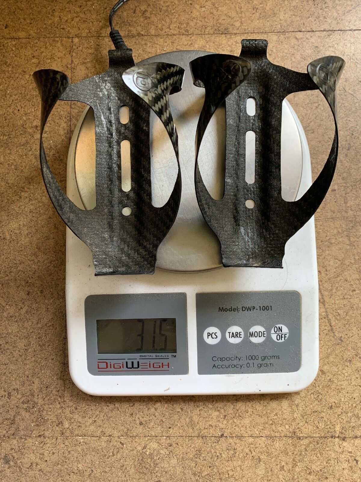 VERY RARE Pair (2) AX-Lightness Carbon Fiber WATER CAGES 31.5g   supply quality product