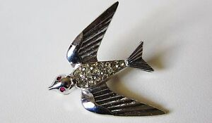 VINTAGE-1940s-1950s-BLUEBIRD-SWALLOW-BROOCH-RHODIUM-PLATED-RHINESTONES