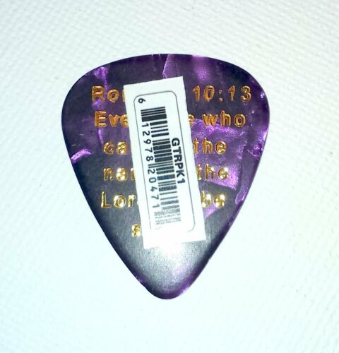 PICK JESUS GUITAR PLECTRUM Scripture Back ROMANS 10:13 PURPLE PEARL /& GOLD Faith