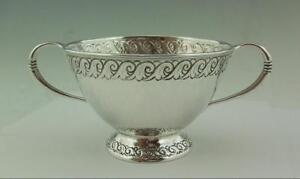 LIBERTY-amp-CO-SOLID-SILVER-ARTS-amp-CRAFTS-TWIN-HANDLED-BOWL