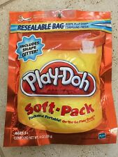 BRAND NEW SEALED Play-Doh Soft Pack and 1 Shape Cutter 8 oz - Orange