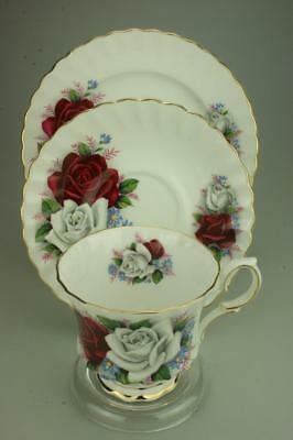 Vintage Queen Anne Trio Cup Saucer /& Side Plate Duet Bone China England CS31b
