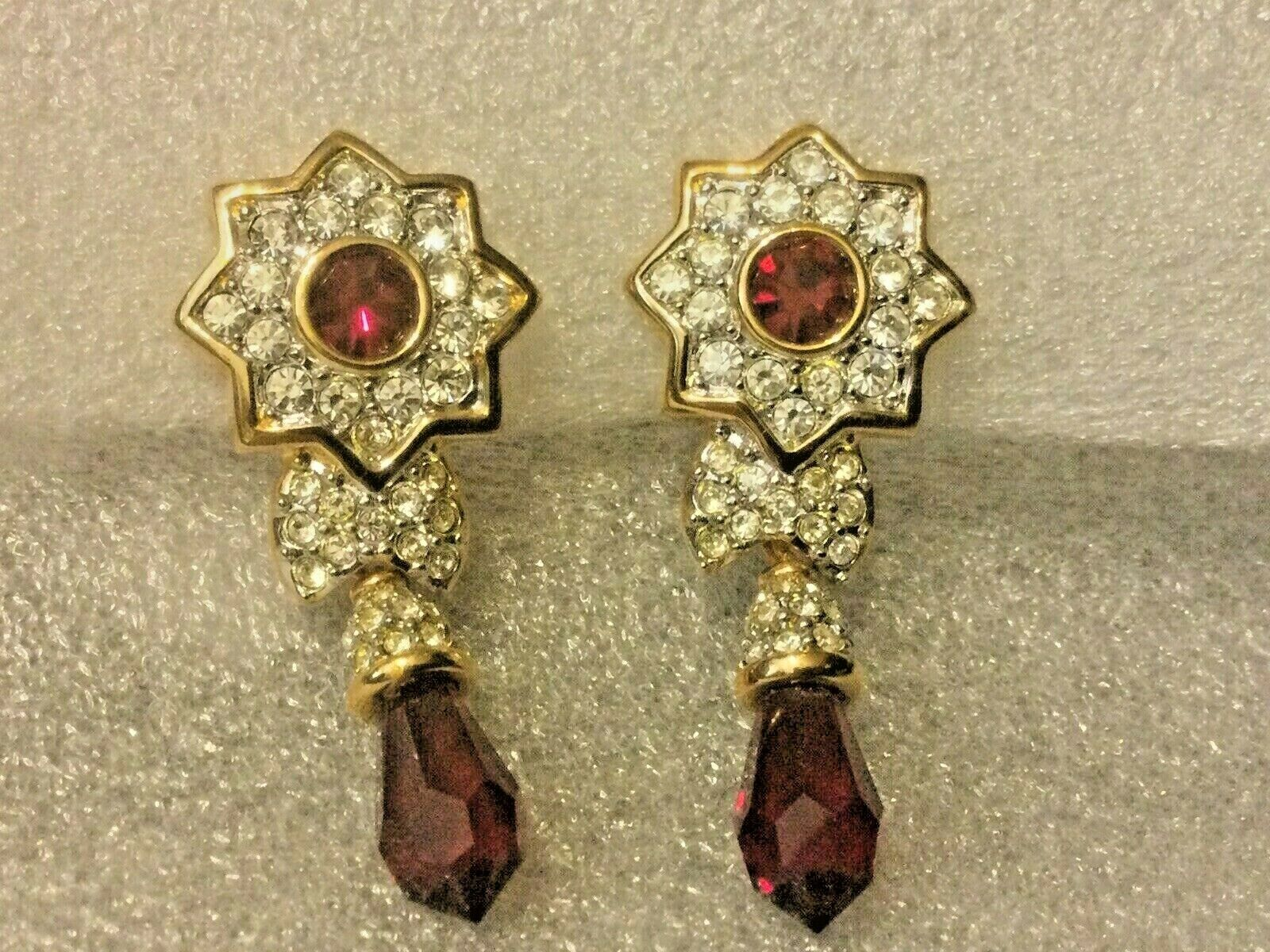 Vintage Swan Swarovski Deep Red Rhinestone Star D… - image 1