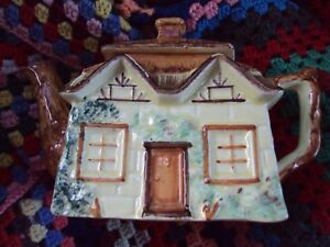 Teapot-True-Vintage-Cottage-Ware-Keele-St-Pottery-Co-Ltd-England-charity