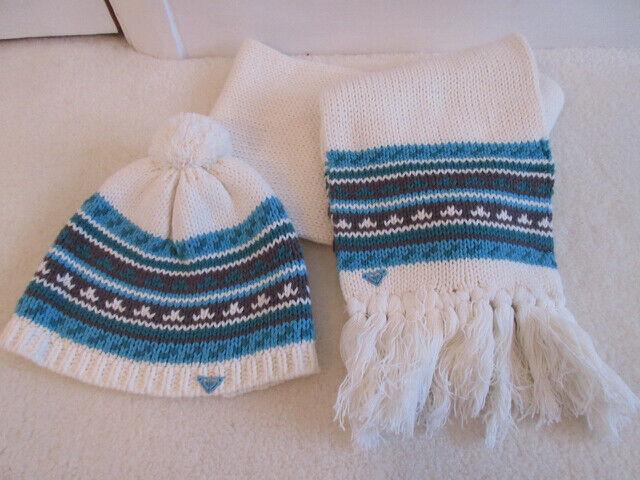 Ladies Roxy Hat and scarf set
