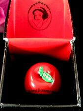 RARE NIB DISNEY RED ACRYLIC SNOW WHITE APPLE THE FAIREST OF THEM ALL SIZE 6 RING