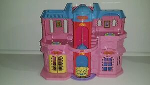 Fisher Price 2001 Sweet Streets Pink Dollhouse Hotel Boutique