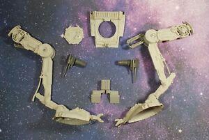 VINTAGE-STAR-WARS-AT-ST-SCOUT-WALKER-PARTS-KENNER-leg-gun-armor-hatch-cockpit