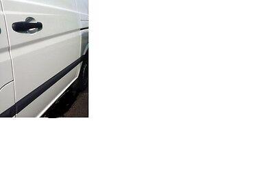 Left hand New Genuine Mercedes Vito 639 N//S side Loading door Moulding Trim