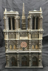 Dept 56 Churches of the World ~ NOTRE DAME CATHEDRAL, PARIS ~ MIB