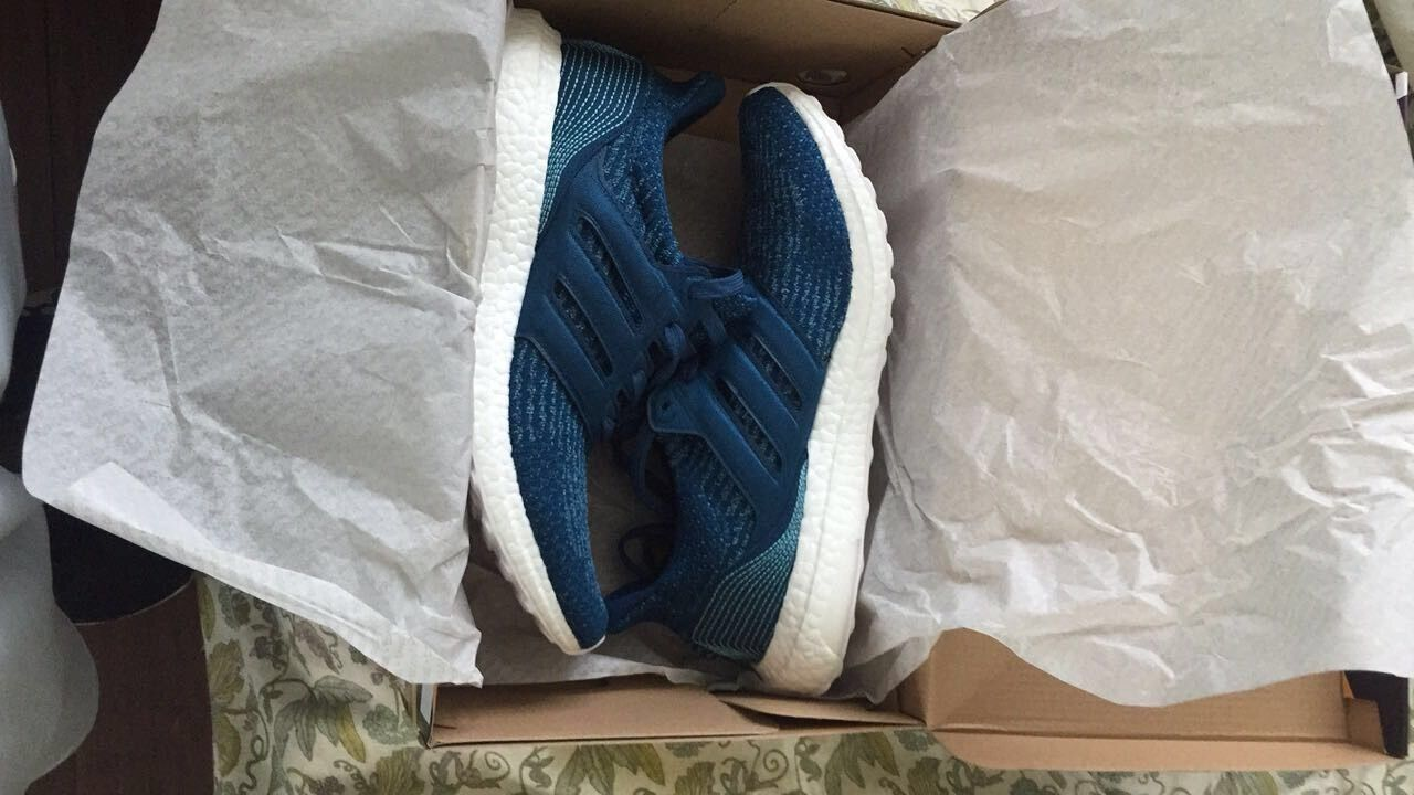 adidas ultra boost Parley ( For The Oceans )