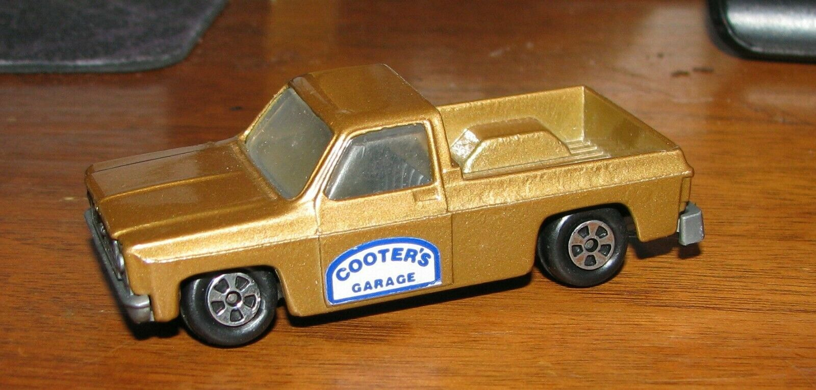 Super RARE ERTL Dukes of Hazzard Cooters Garage Stepside Chevy Truck