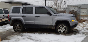 2016 Jeep Patriot 5 Speed Manual 4x4 for parts