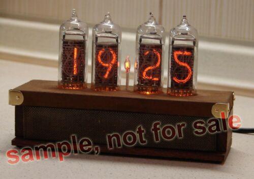 Nixie Tube Clock Kit 2.3 avec IN-14 tubes dans boîte en bois avec À faire soi-même Alder Wood Case