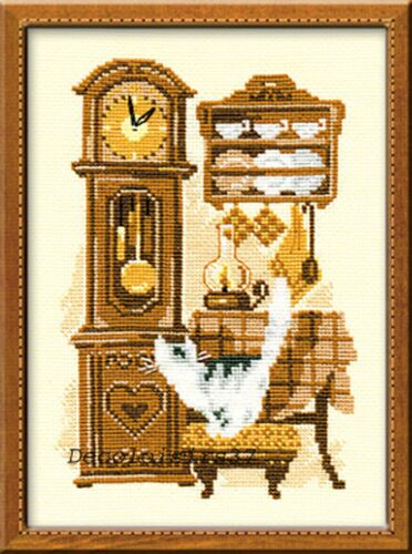 RIOLIS  858  CAT WITH CLOCK   COUNTED  CROSS STITCH  KIT