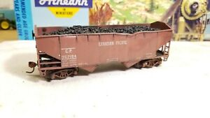 Athearn-HO-CanadianPacific-34-039-custom-weathered-hopper-coal-car-freight-car