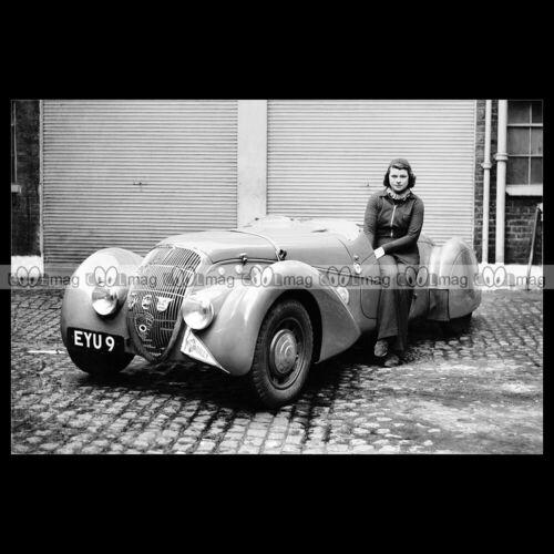 #pha.032094 Photo DOROTHY PATTEN PEUGEOT 402 DARL'MAT SPECIAL RACING CAR 1939