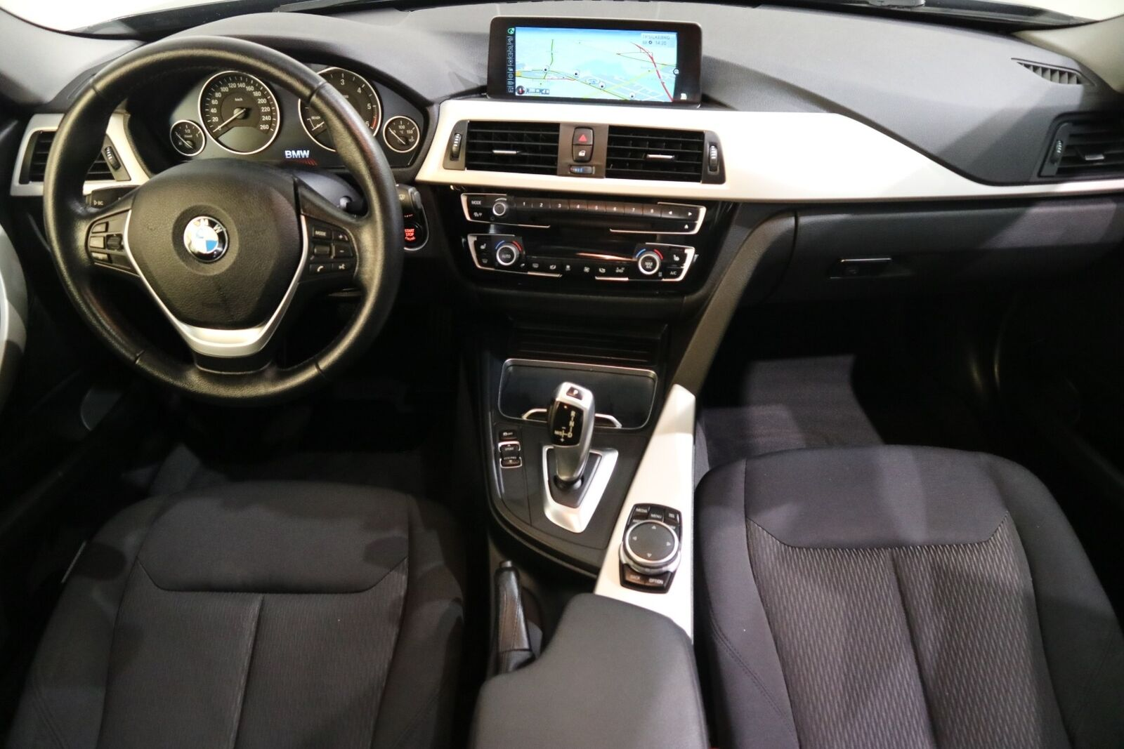 BMW 320d 2,0 Touring aut. - billede 15