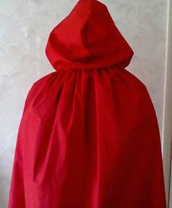 SHORT-RED-HOODED-CAPE-FOR-ADULTS-FANCYDRESS-RED-RIDING-HOOD-ROYALTY-HALLOWEEN